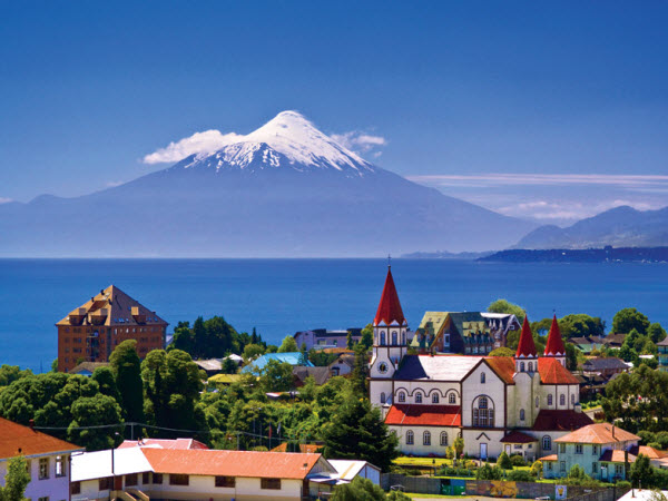 Forward Travel - Adventure on the snow-capped Volcanoes