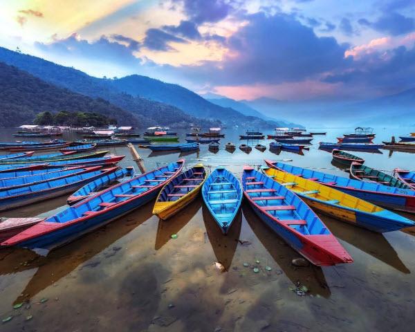 Forward Travel - Lakes at Pkhara Nepal