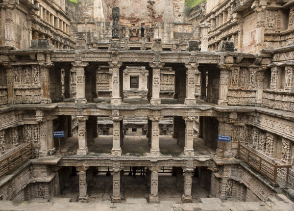 Forward Travel - Rani Ki Vav (The Queens Stepwell)