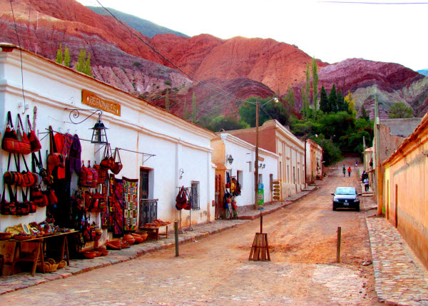 Explore Salta on foot