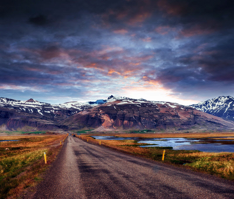 Travellers seek out Iceland