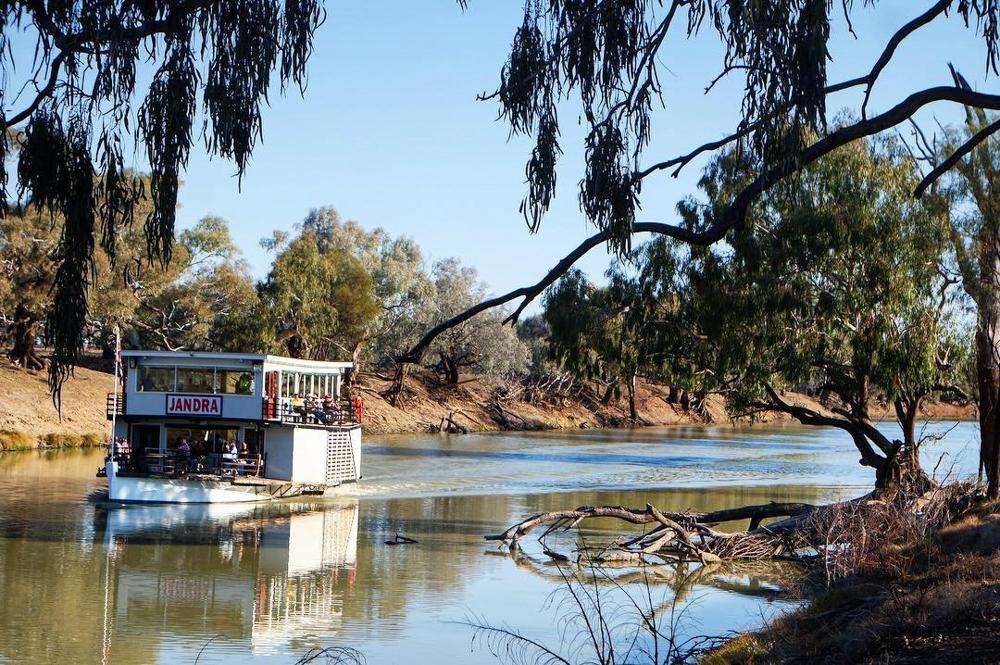 Jandra paddle steamer Bourke | Travel NSW | Forward Travel